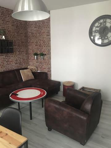 Appartement duplex chaleureux 80m2. - シャロン・アン・シャンパーニュ - アパート