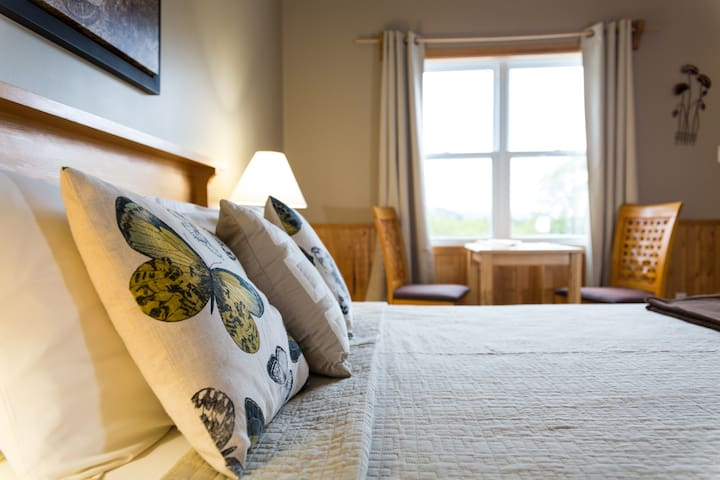 Early Booking Save 15% Middle Brook, Suite #1