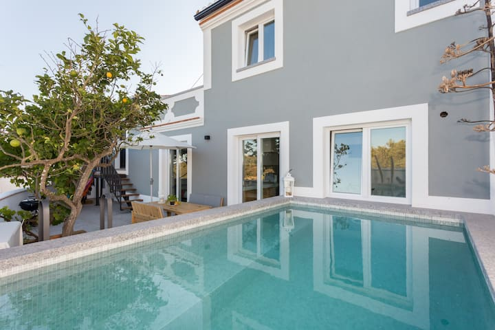 Brandnew cozy village house with swimming pool - Raposeira - House