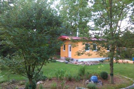 Gemütliches Ferienhaus im Grünen - Casa