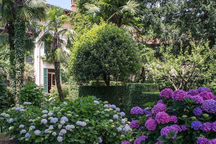 Antica Casa Porrani - EXPO Milan - Castello Cabiaglio - Huis