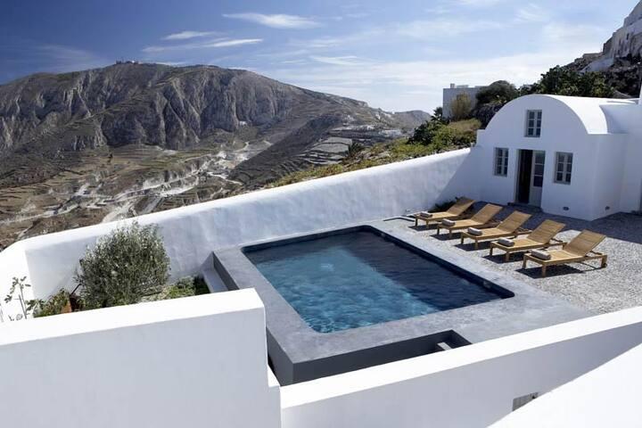 Villa Fabrica 8 Bedrooms: 111372 - Pyrgos - Villa