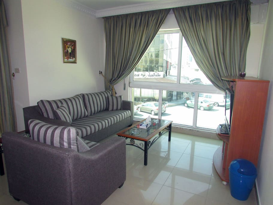 7th circle al rawnaq 1 bedroom apt apartments for rent for Living room amman