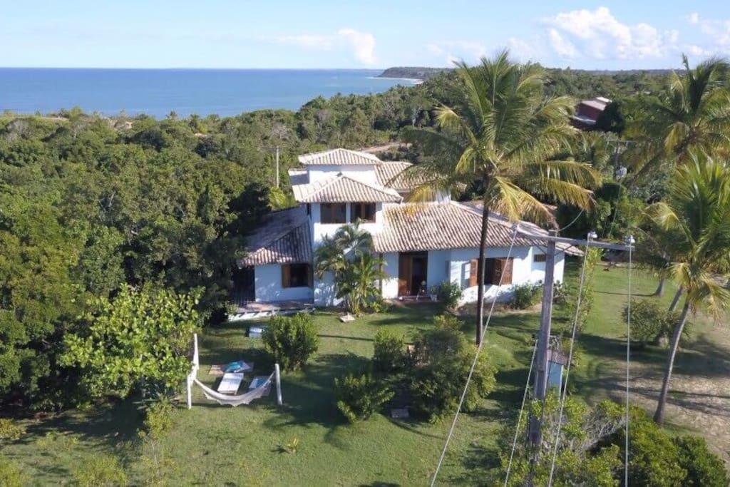 Casa perto do quadrado a 6 minutos d praia