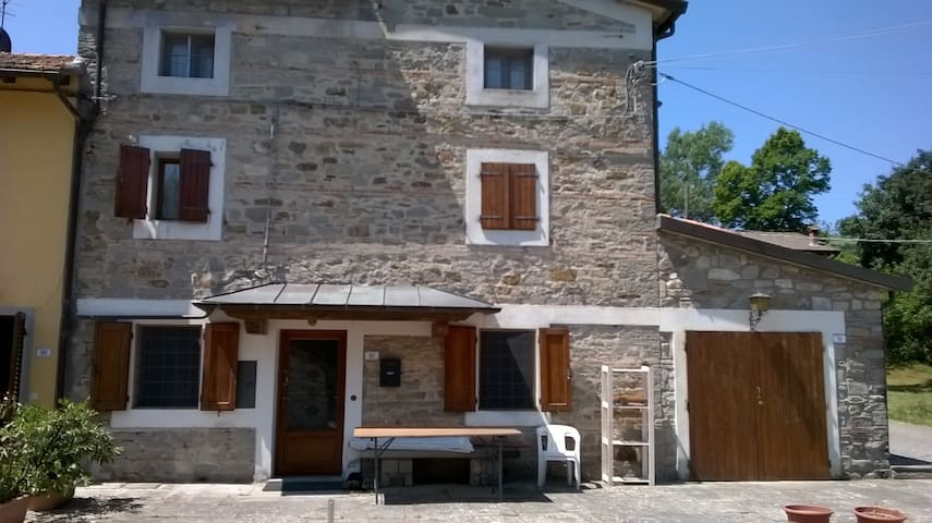 2 double rooms and private bathroom - Firenzuola