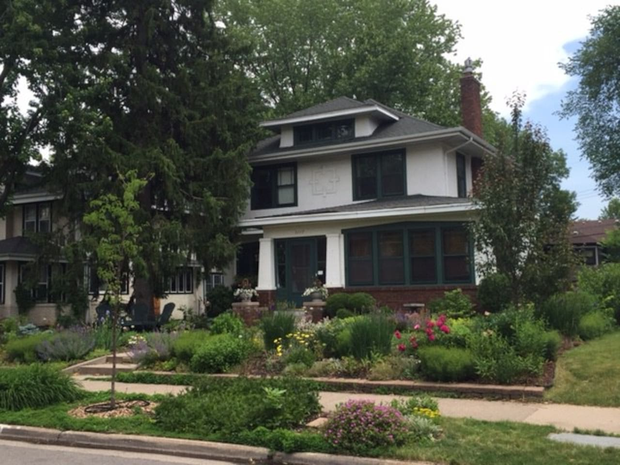 Lovely home and garden in great neighborhood safe, quite and 1/2 block to Minnehaha Creek/parkway.