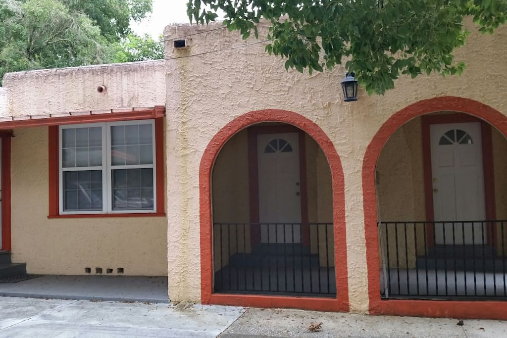 Quaint Spanish Bungalow Downtown Houses For Rent In Deland Florida United States