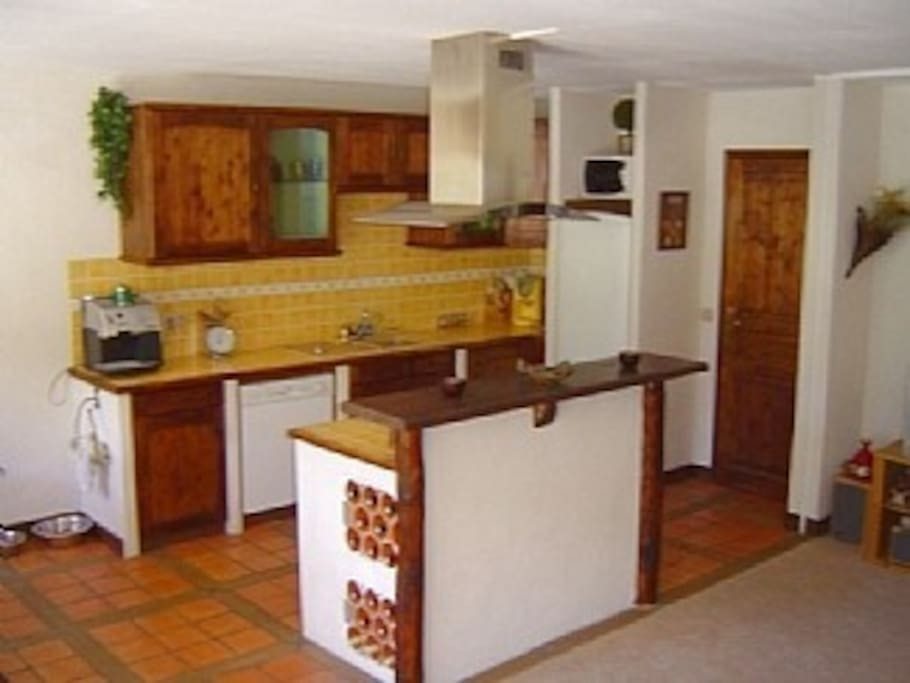 Fully functional, open plan kitchen