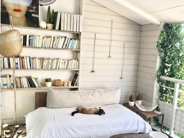 Chambre dans Duplex Arty au cœur de Saint-Pierre