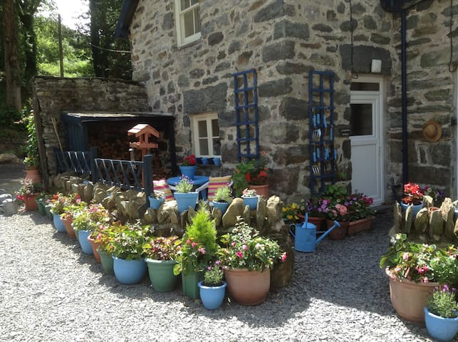 Gorgeous Country Cottage Snowdonia - Dolgellau