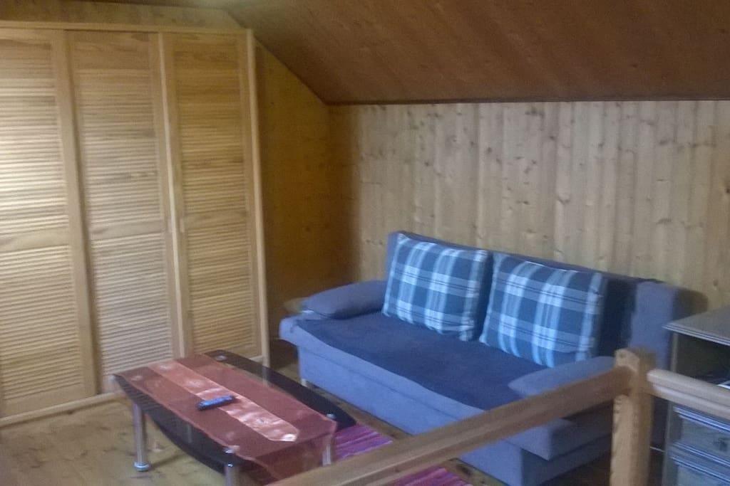 Obere Etage Wohnbereich mit Schlafcouch