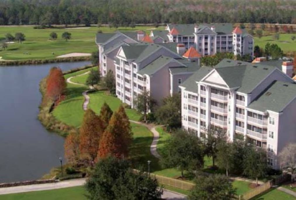 Bird's eye view of the resort.