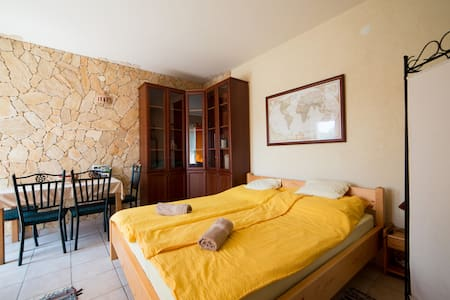 Sunny Hill Apartment - Orfû - Apartment