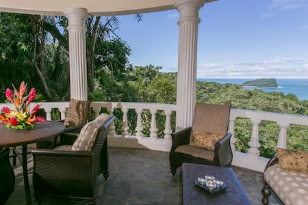 Jurate Suite- Sea views & location!