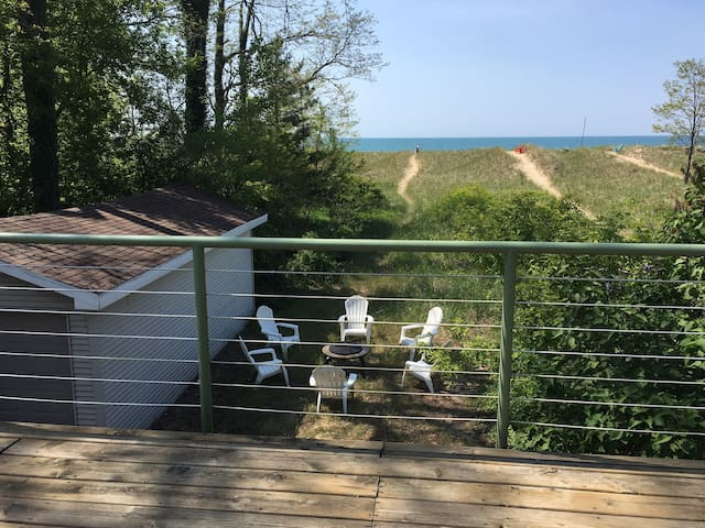 Price Lower! Water Front House 7br, 3ba -Sleeps 20 - Michigan City - Haus