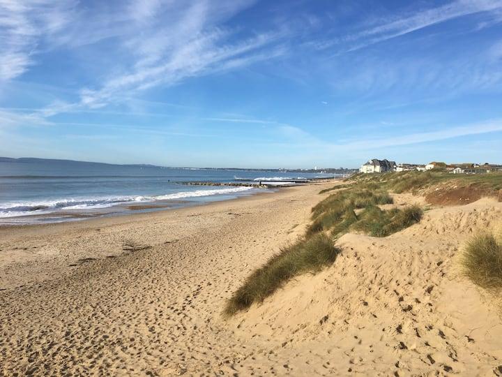 Home from home coastal retreat in Mudeford