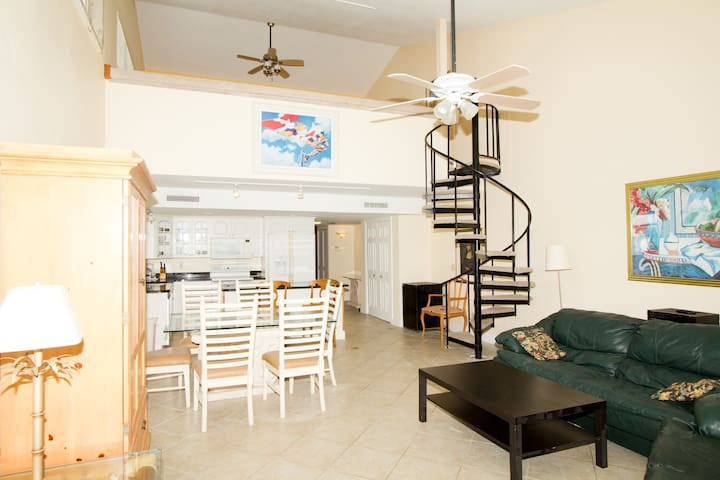 Beachfront 3-Bedroom, Gorgeous! - Indian Shores - Appartement