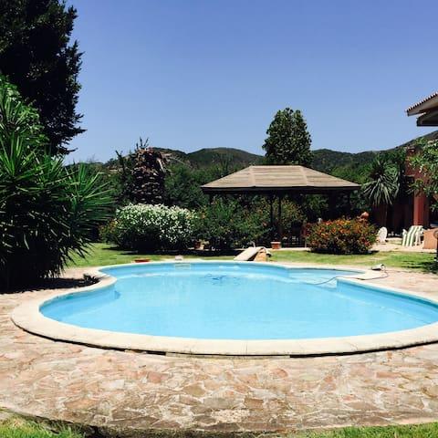Chia - villa con piscina - Chia - Apartment