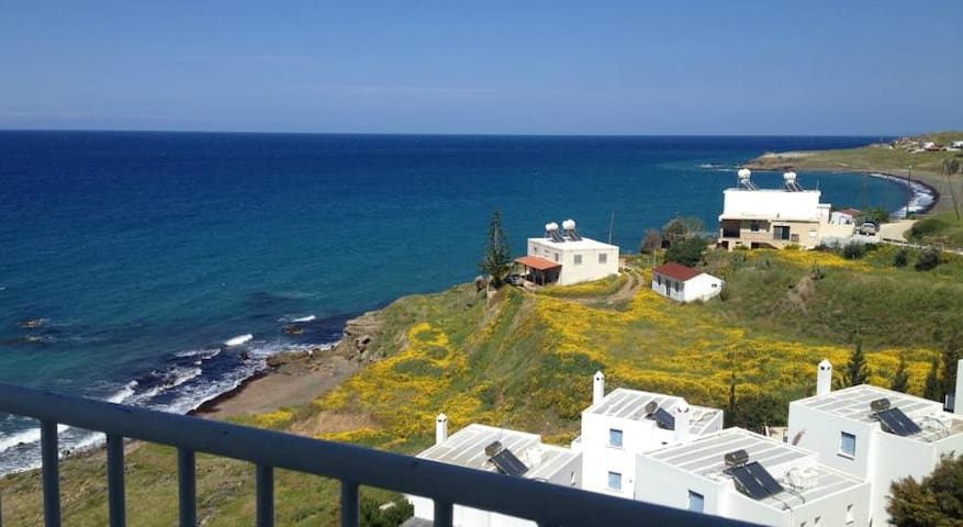 Top floor Apartment with sea view - Pachyammos - Apartment