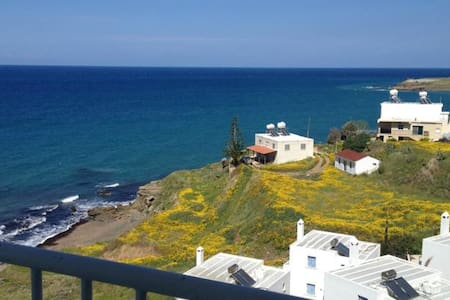 Top floor Apartment with sea view - Pachyammos