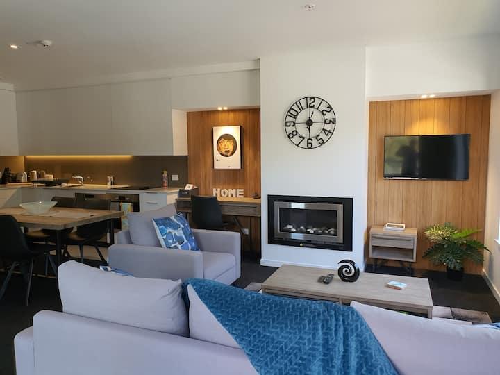 Sunrise Penthouse Apartment for 2