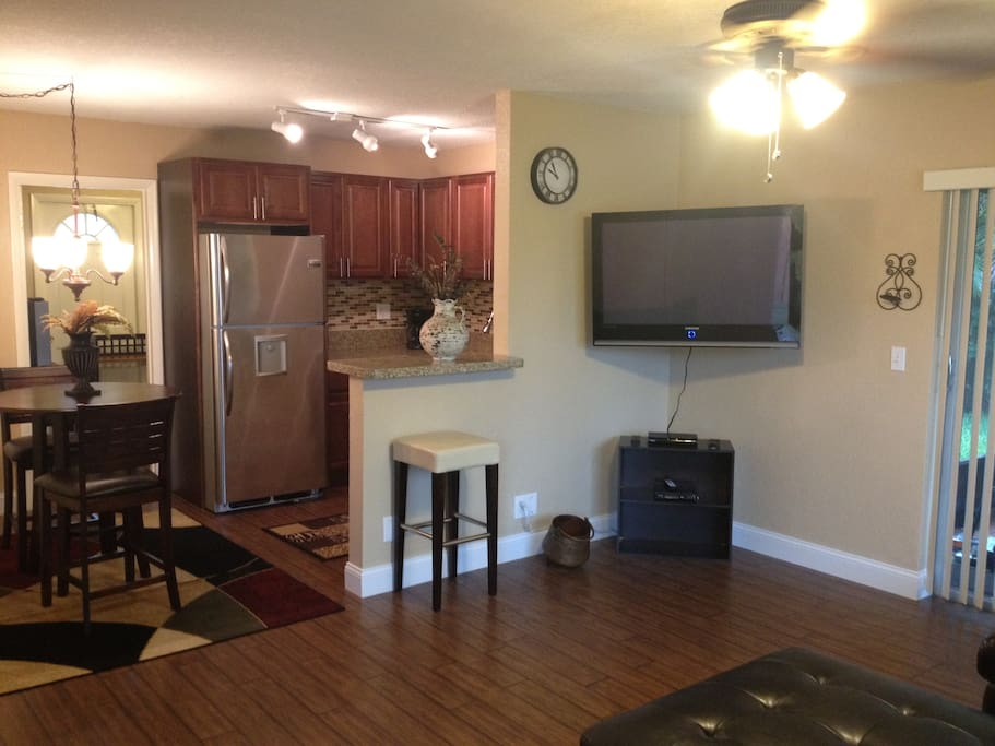 Upgraded Large Studio W Den Patio Apartments For Rent In Fort Lauderdale Florida United States