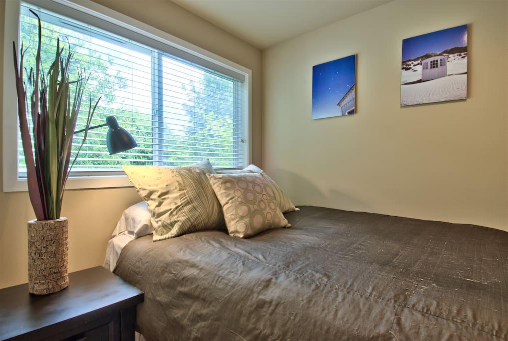 N. Beacon Hill- Super Private Room