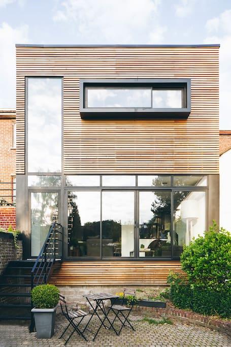 Maison 1930 r nov e style loft maisons de ville louer for Facade maison 1930