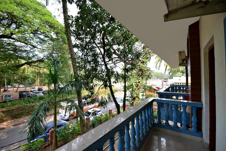 OYO-Cosy 1BR Homestay in Old Goa (Lightning Deal) ⚡