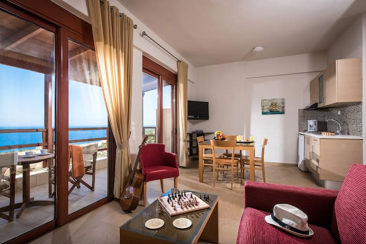 Vue exceptionnelle studio+balcon face a la mer - Triopetra