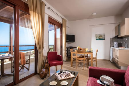 Vue exceptionnelle studio+balcon face a la mer - Triopetra - Departamento