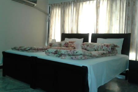 Cute, comfortable Rooms in Pakistan - Islamabad - House