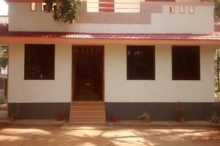 Palm Grove - Luxury Farm House