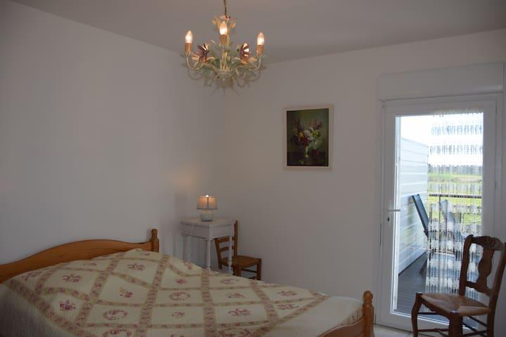 Ty Agathe - Chambre 4 avec accès à la terrasse