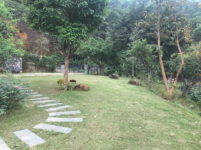 private pool villa, panoramic view of hill + lake