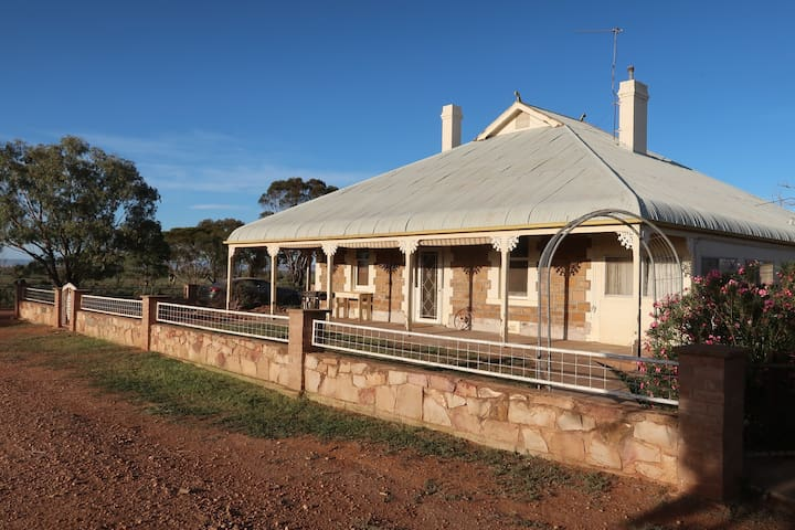 Farm Stay, Quorn, Flinders, 65% Week Stay Discount