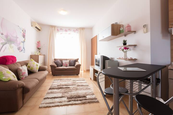 Lovely ground floor apartment in Nessebar View