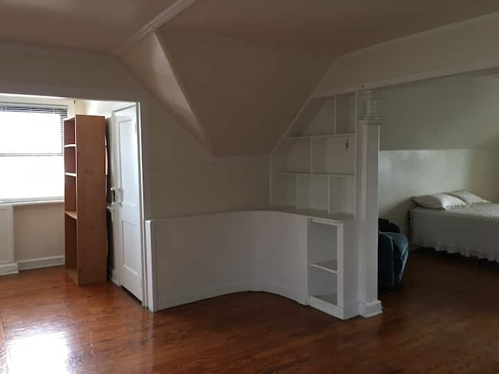 Extra large room right across from St. John's Univ