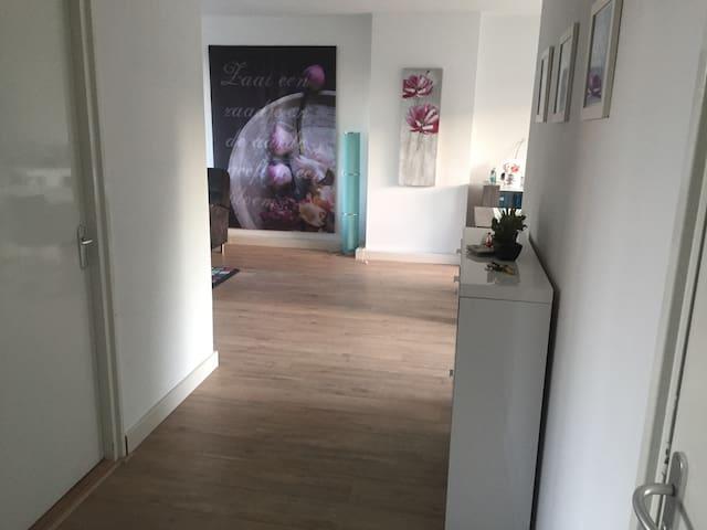 Ruim licht appartement aan de rand van Eindhoven