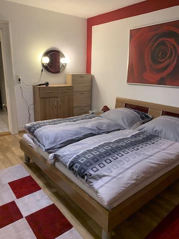 Doppelbett Zimmer am Rhein
