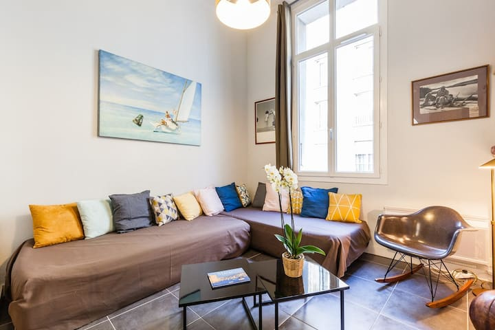 Apartment ideally located on the Old Port