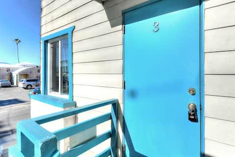 Amazing Venice Beach Single with Sweeping Views-C3
