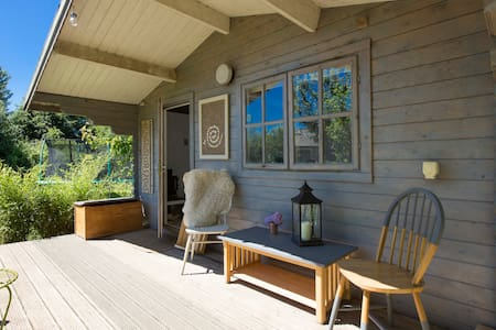 Cosy Idyllic Cabin in South Devon-Now With Shower!