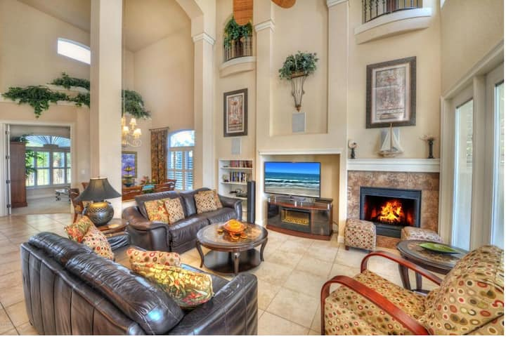 Oceanfront Luxury 4600 SF Mansion