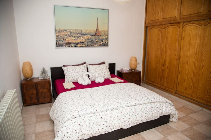 Lovely Room in Jerusalem + nice view