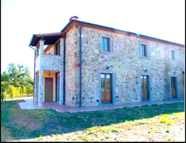 New lovely apartment in cottage, Cortona-Arezzo