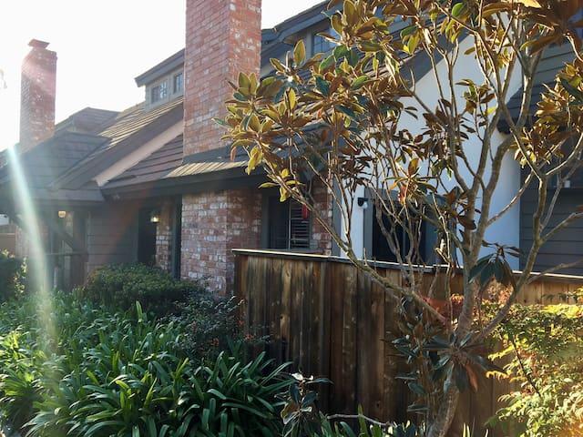 Family-friendly 3 bedroom in Costa Mesa