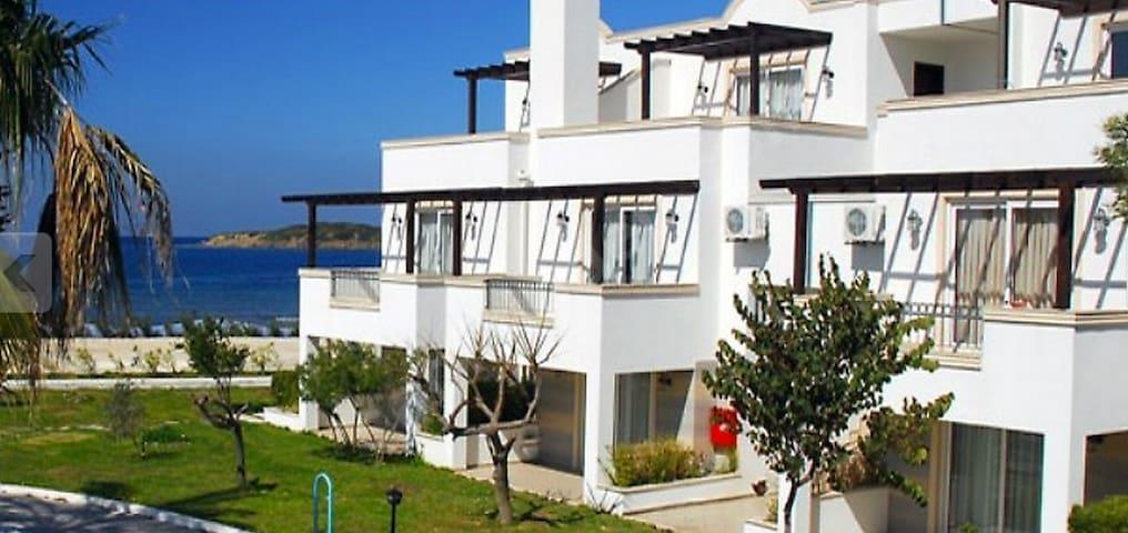 2 Bdrm luxury beach aprtmnt w/pool - Bodrum - Apartemen