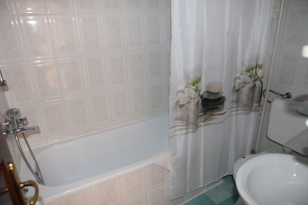 Bath tub in the bathroom.