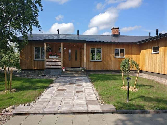 Niipalan tila, loma-asunto maaseudun rauhassa